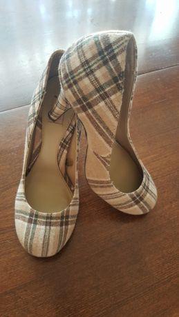 Елегантни обувки Stradivarius