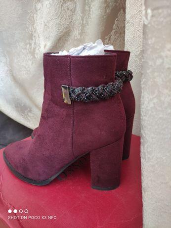 женские ботинки бордовые