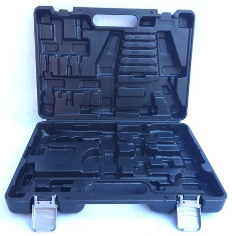 Geantă plastic cu locasuri pentru Scule  39 x 28 x 9 Cm - 15 Lei