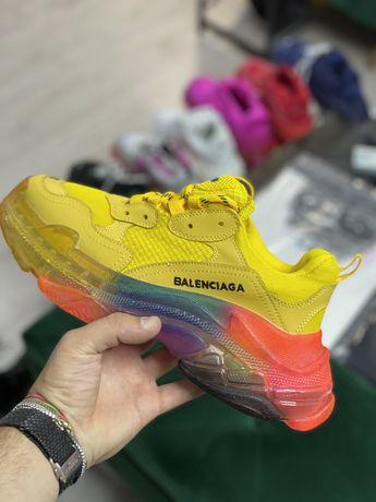 Adidasi Balenciaga Triple s PREMIUM diferite culori