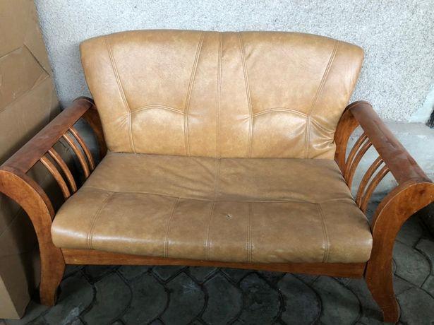 Мебель, диван двойка  обшивка эко кожа, бежевого цвета