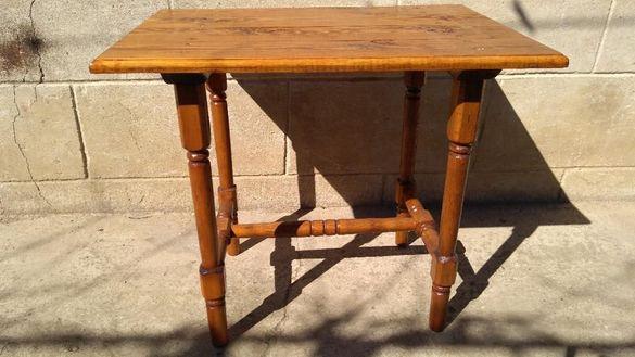 .дървени маси и столчета