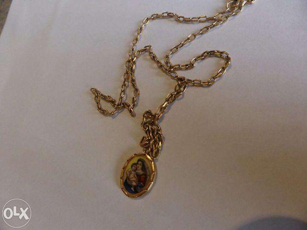 Lantisor cu medalion pictat din aur secolul 19.