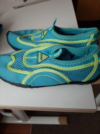 Продаю коралки(обувь для пляжа)