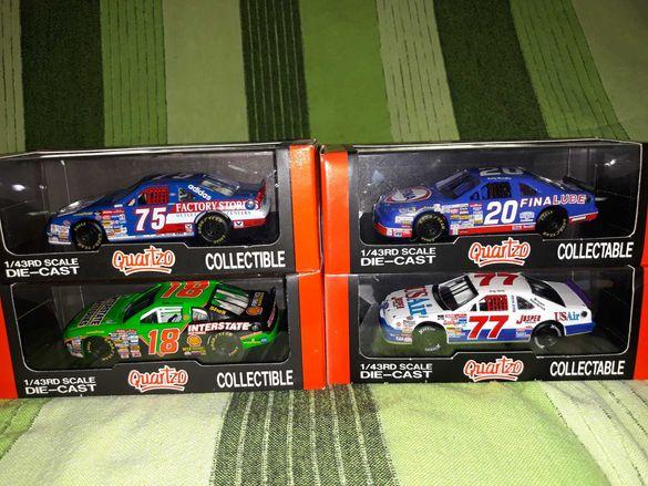 във мащаб  1.43  Ретро колекцинерски колички NASCAR  USA. !