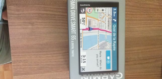 Vînd GPS Garmin drive smart 65