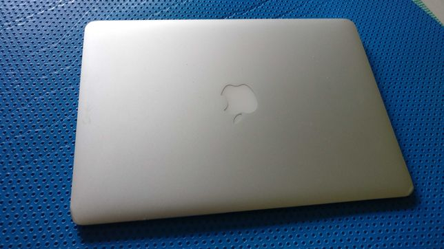 Vand - Dezmembrez Macbook Air a1369 - 2011, defect