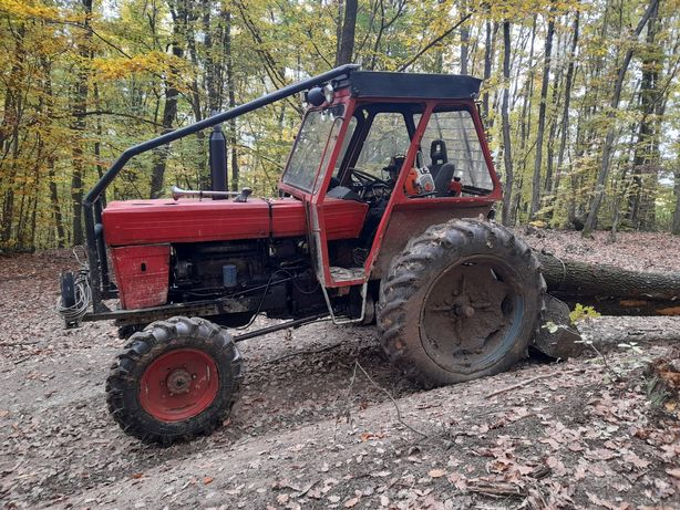 Vând Tractor Forestier U651 sau SCHIMB