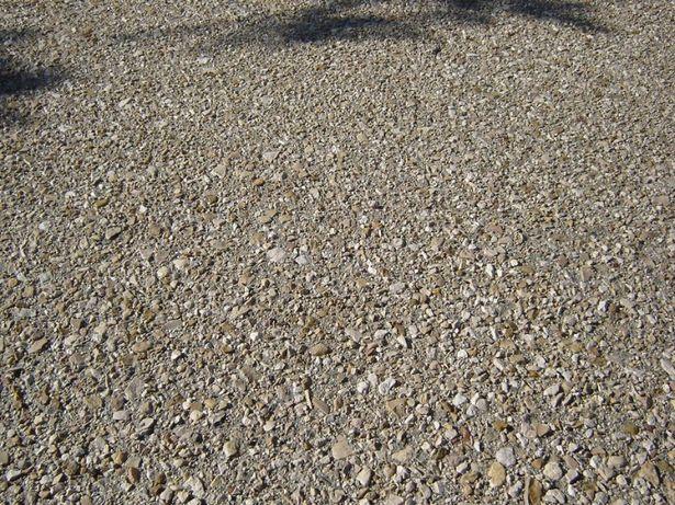 Beton dezactivat (cu piatra spalata) sau beton amprentat