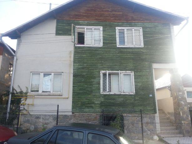 Vand casa in Cornu de Jos (Campina, Breaza ) in judetul Prahova