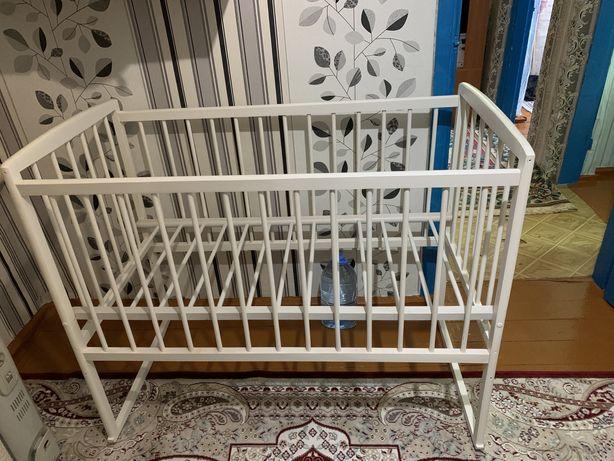Продам новую детскую кроватку!