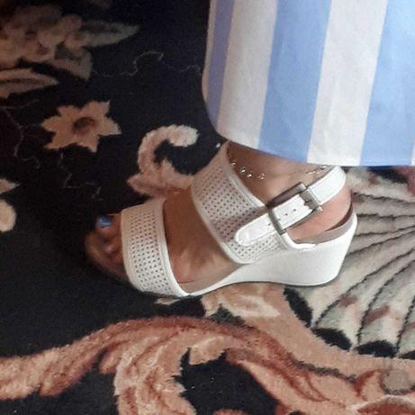 Sandale dama albe, din piele, Desa, mas.36