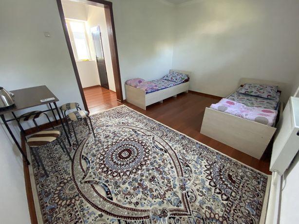 Суточный квартира на против KARAVAN SARAI. (венеция) и Мавзолей