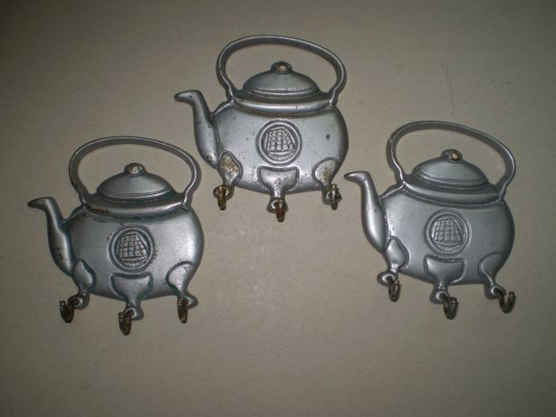 cuier bucatarie , cuiere , ceainic , vechi