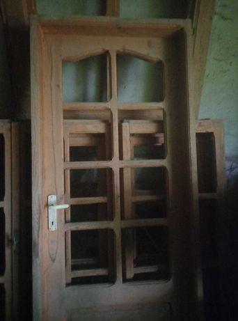 Vand usa de interior din lemn natural