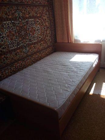 Продам кровать полуторку б /у