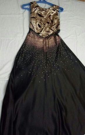 Продам шикарное вечернее платье в пол