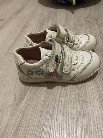 Кожаные кросовки 27(маломерят 26) размера почти новые