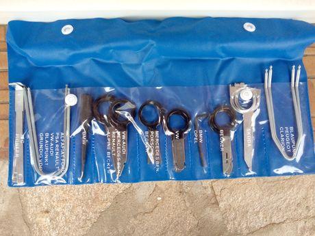 Комплект инструменти за демонтаж на радио системи