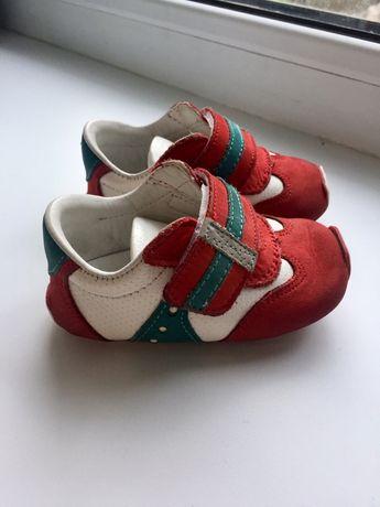 Кросовки детские.