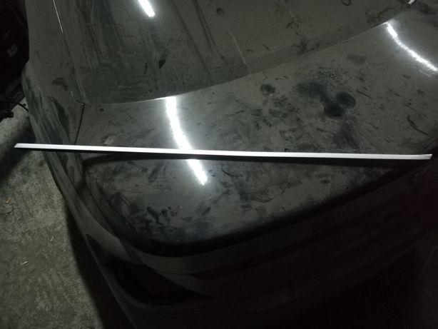 Peri geam BMW e65