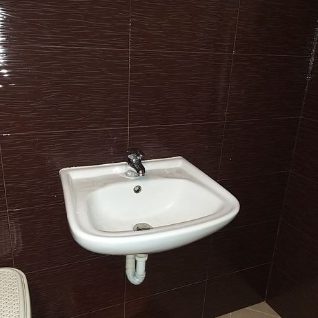 Умивалник за баня