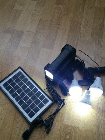 Kit Solar 3 becuri (pachet solar) Incarcator unicersal Telefoane
