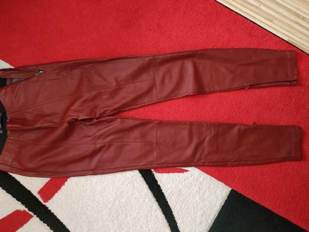 Pantaloni imitație piele măr xs Zara