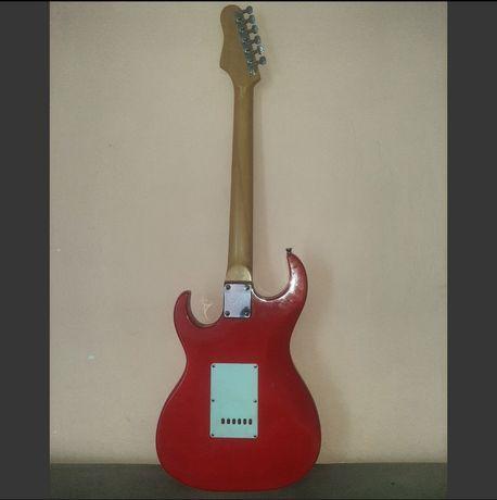 Срочно! Дёшево! Электро гитара!