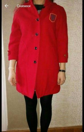 Дамско( с по нисък ръст) или детско топло палто!