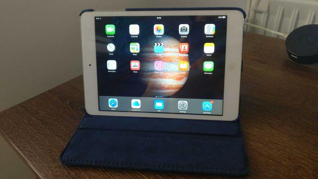 REDUCERE*Apple iPad Mini** ca noua cu Smart Flipcase Stand nou gratuit