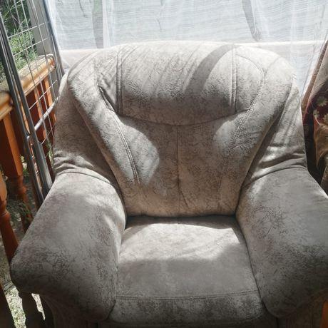Мякое кресло 2 шт.