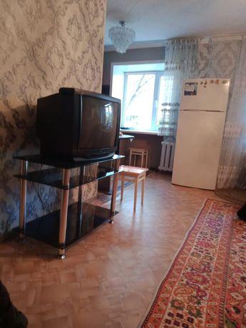 Продаю тумбочку под телевизор