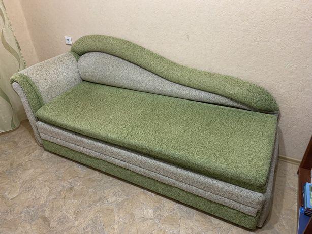Продам тахту,диван