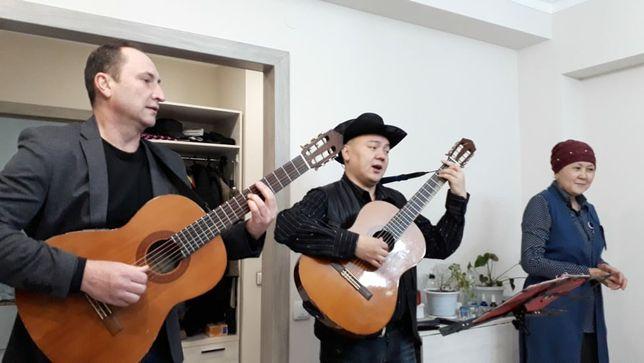 Дуэт гитаристов ,песни под гитару !
