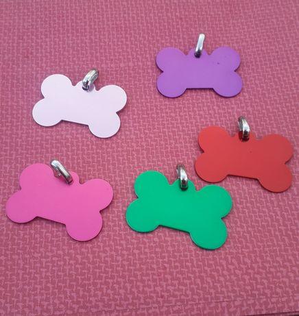 Гравирани медальони за куче