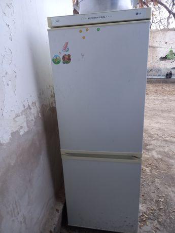 Lg холодильник двух камерный үсті істемейді асты морозильник истеп тур
