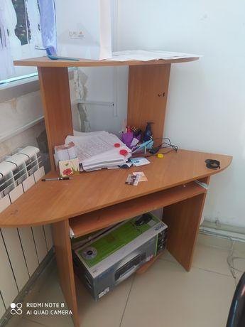 Продам стол для персонального компьютера