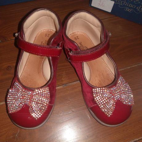 Продаю красные лакированные туфельки для девочки Zecchino d'oro