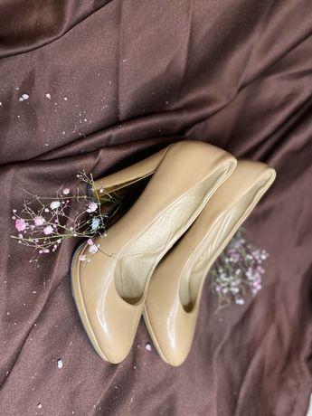 Обуви для девушек