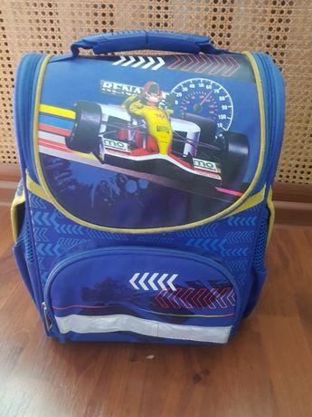 Детский рюкзак в хорошем состоянии