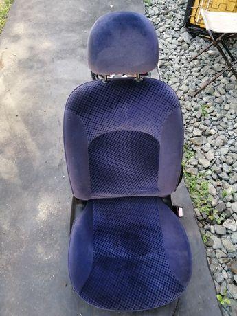Седалки за Пежо-206
