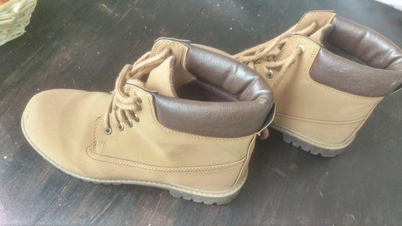 Зимни обувки тип боти 40 номер