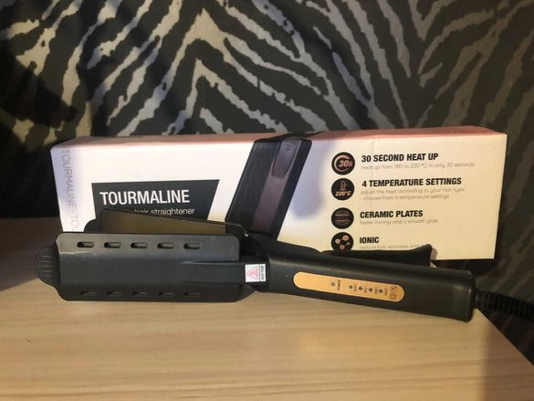 Чисто нова преса за коса TOURMALINE