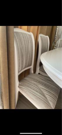 Обеденная зона стол стулья
