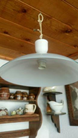 Lampa de tavan culoare alba