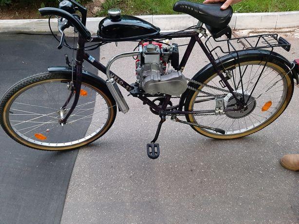 Vând bicicleta cu motor 4t