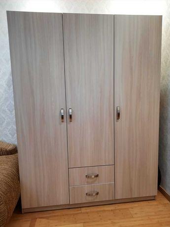 Новый шкаф для одежды
