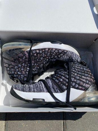 Баскетболни обувки Lebron James 17