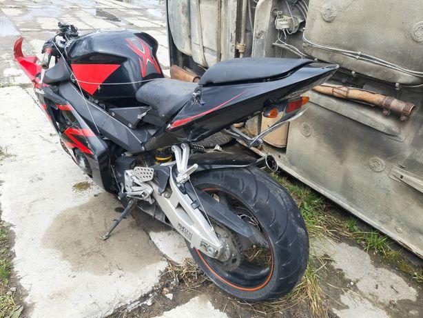 Honda 954 Fire-blade